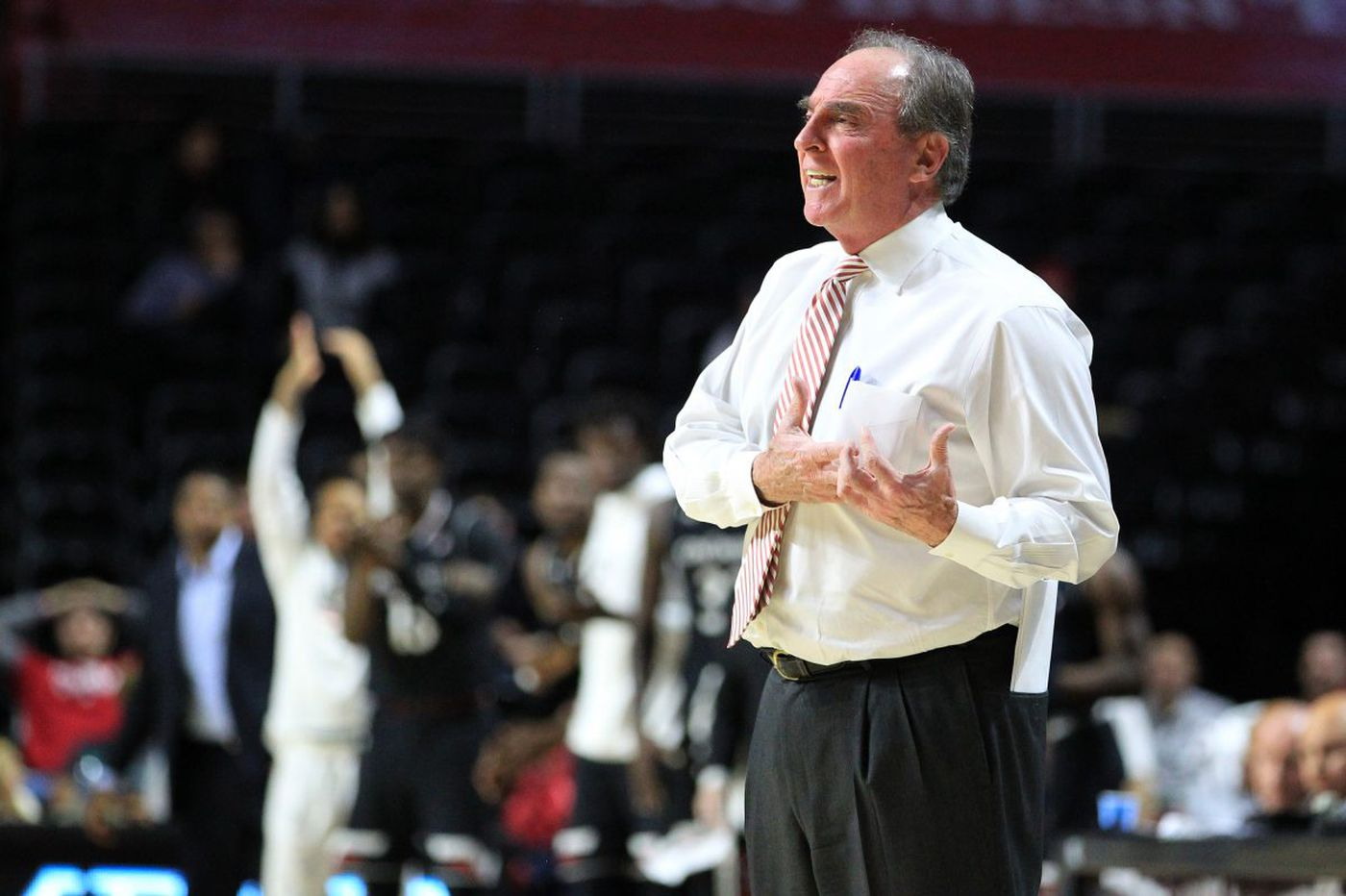 Temple flattened by surging Houston, hurting NCAA tournament chances