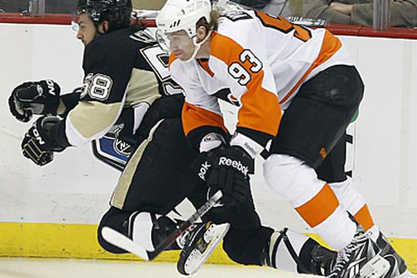 Flyers not out for blood but another road win