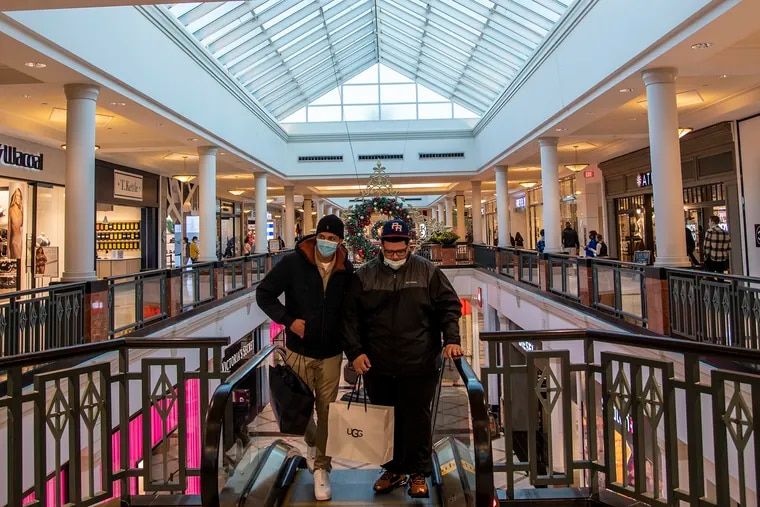 Shoppers at the King of Prussia Mall on Black Friday.
