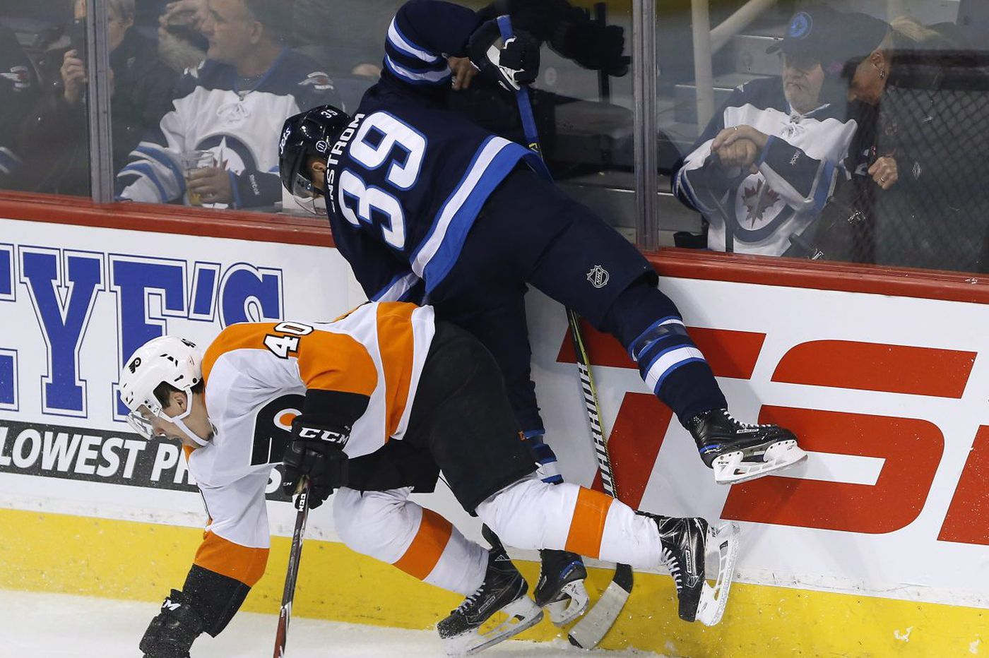 Flyers end scoring drought but lose to Jets in shootout