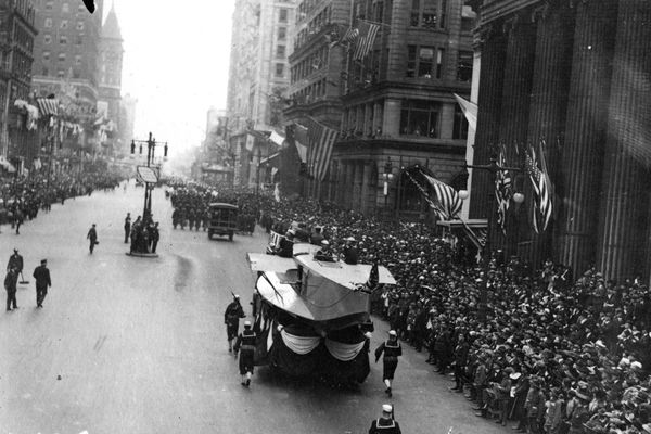 Celebrate Philadelphia's wave of pestilential death: Mutter Museum will mark the great flu pandemic with parade and exhibit