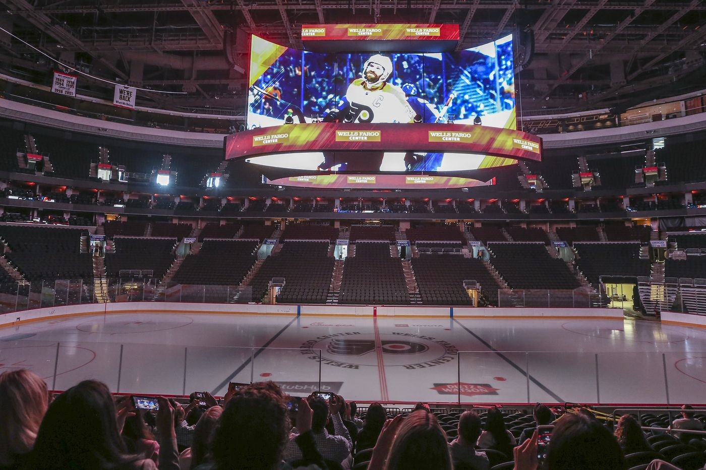 New Kinetic 4K Scoreboard, Center City Club, unveiled at Wells Fargo Center