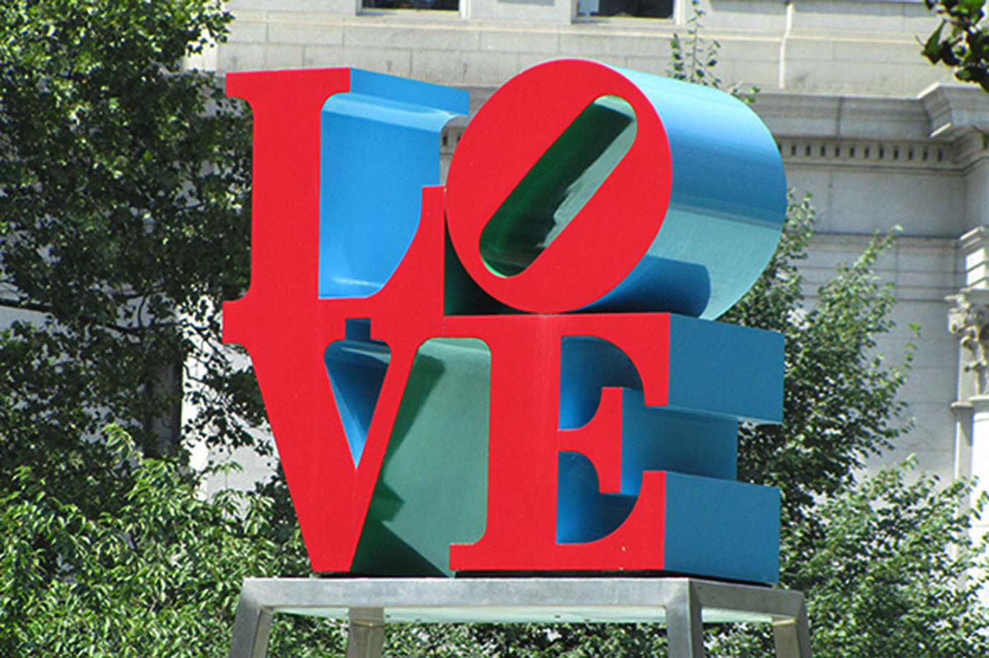 Last chance at LOVE; statue to be removed next week