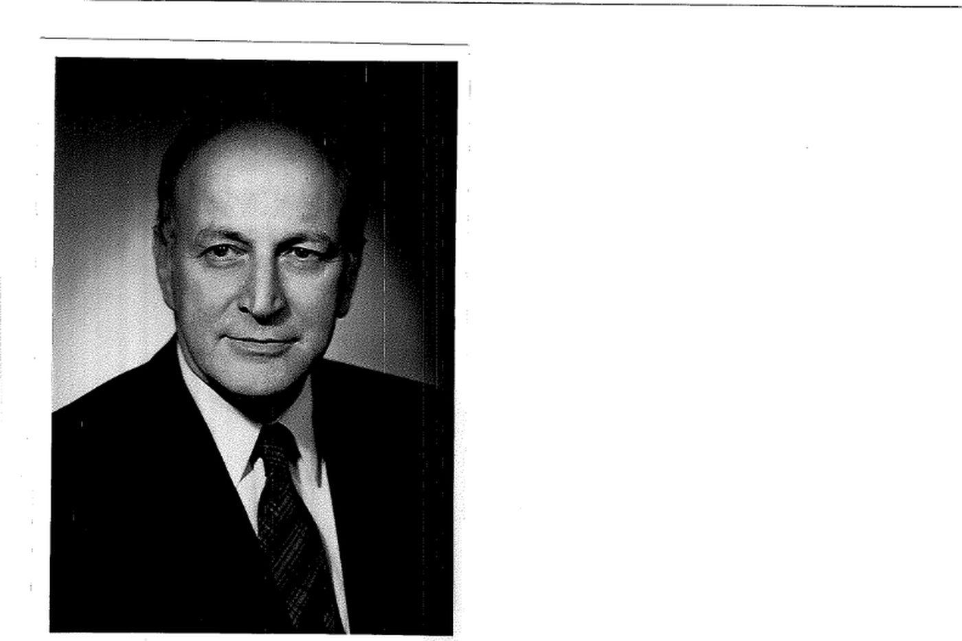 Richard A. Ellis, 94, ophthalmologist and philanthropist