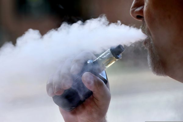 THC vape dealers are stealing customers' money online, FDA says