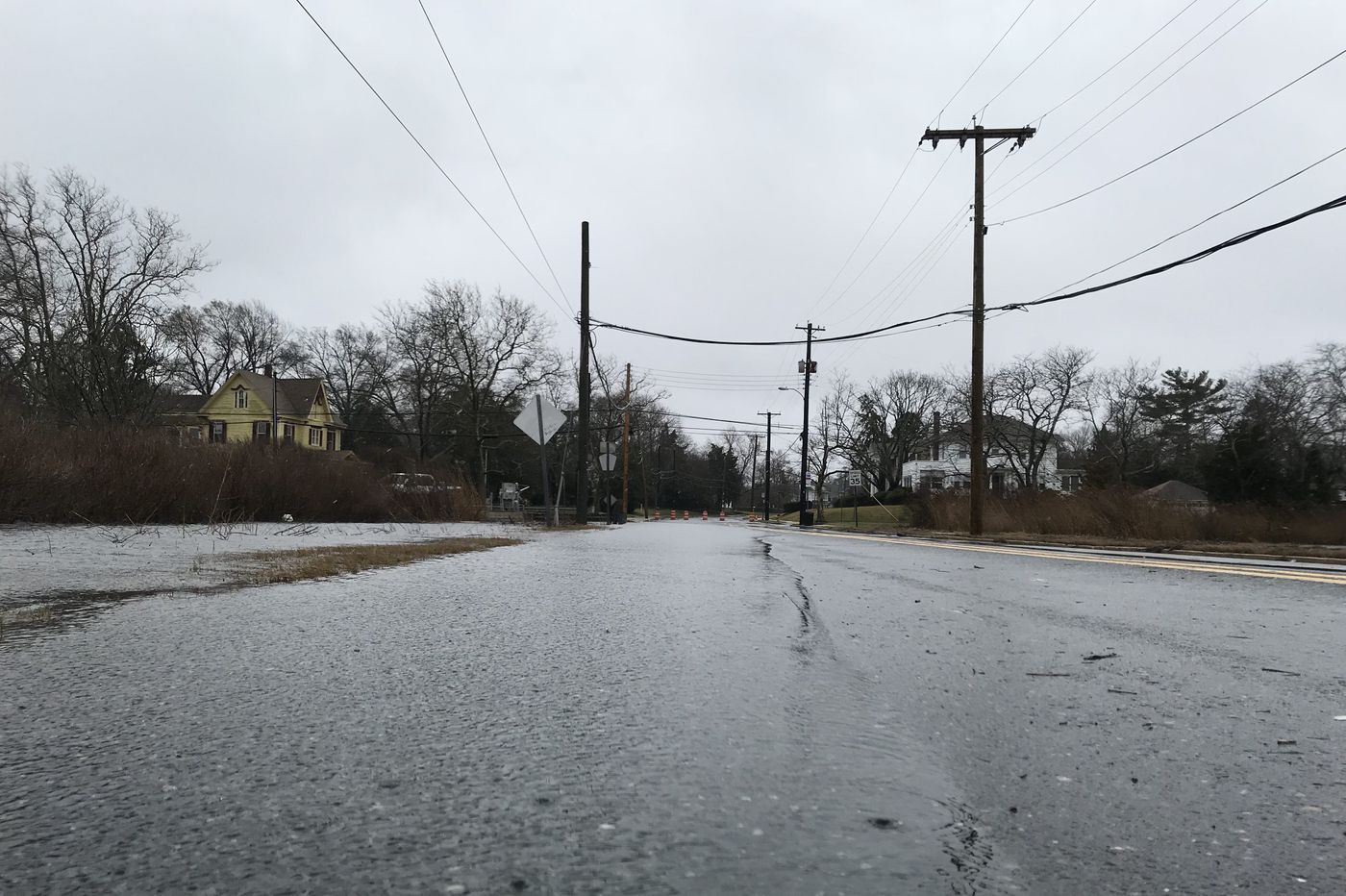 Nor'easter looking more likely; could be tough weekend for beaches, trees, power lines