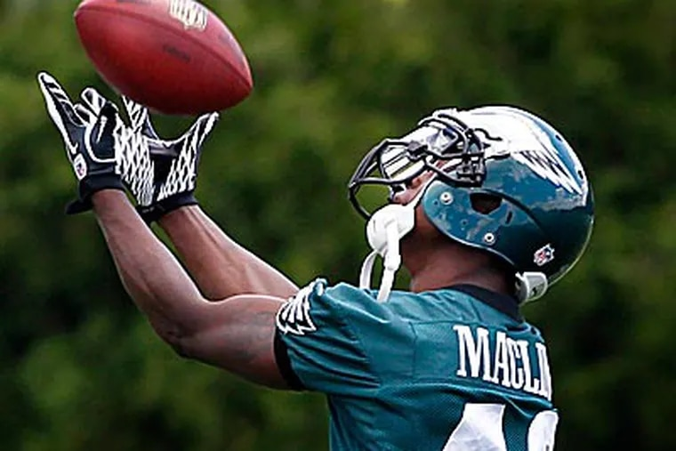 Jeremy Maclin and the Eagles receiving corps have plenty of talent, but not much size. (Alejandro A. Alvarez/Staff Photographer)