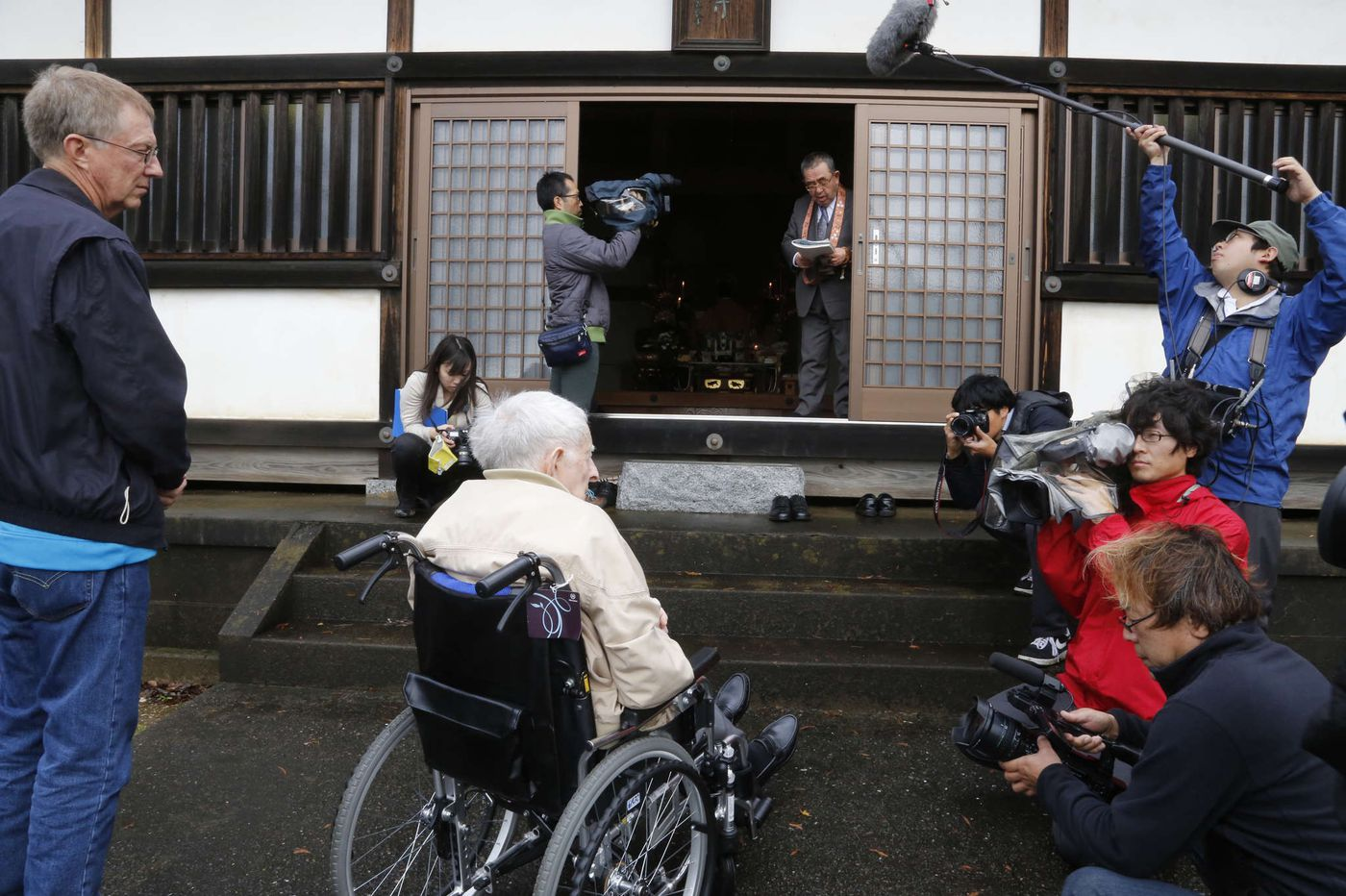 Emotional visit to Japan for ex-POW