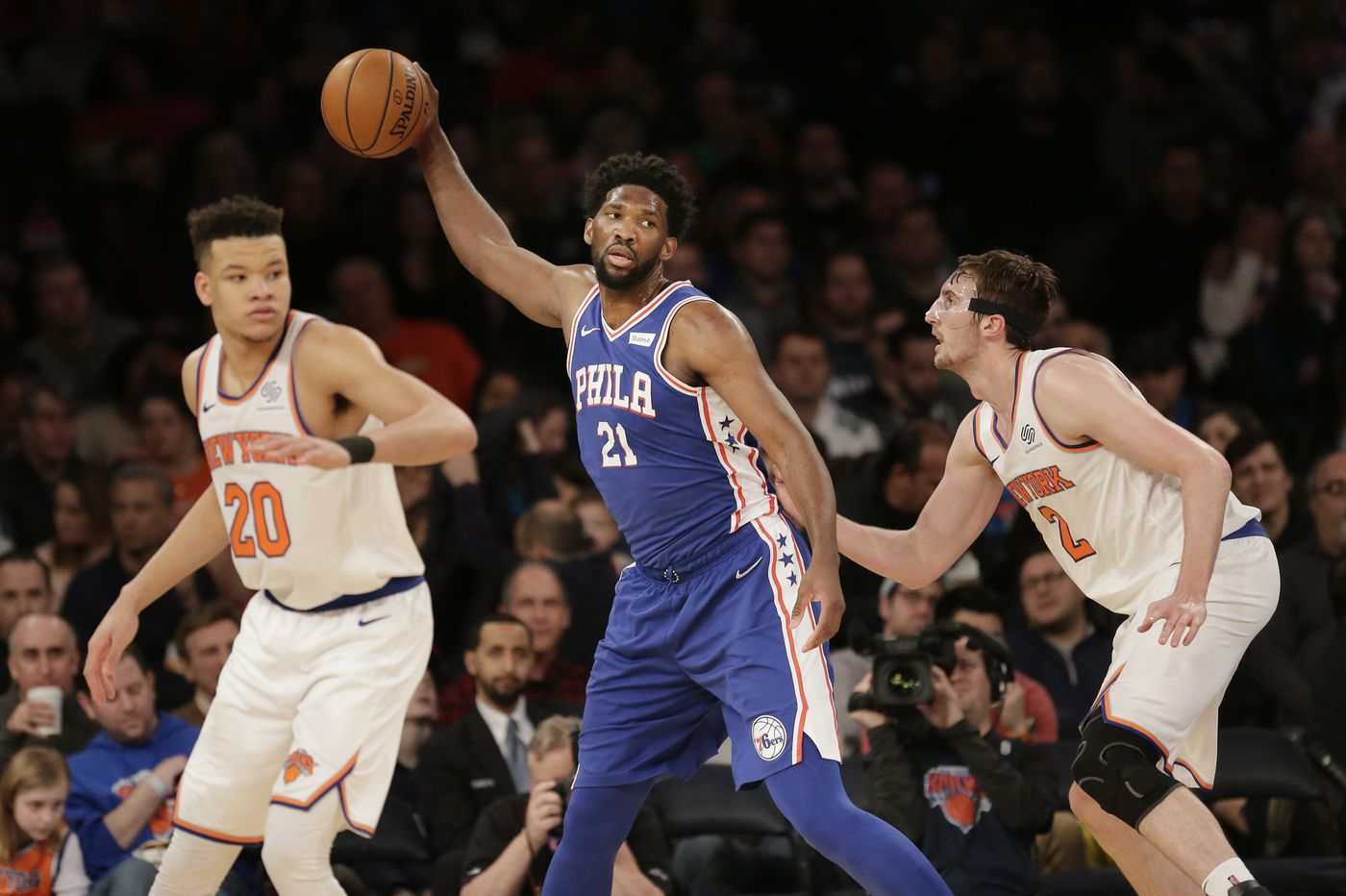 Monster double-double: Simmons helps 76ers sneak past Knicks