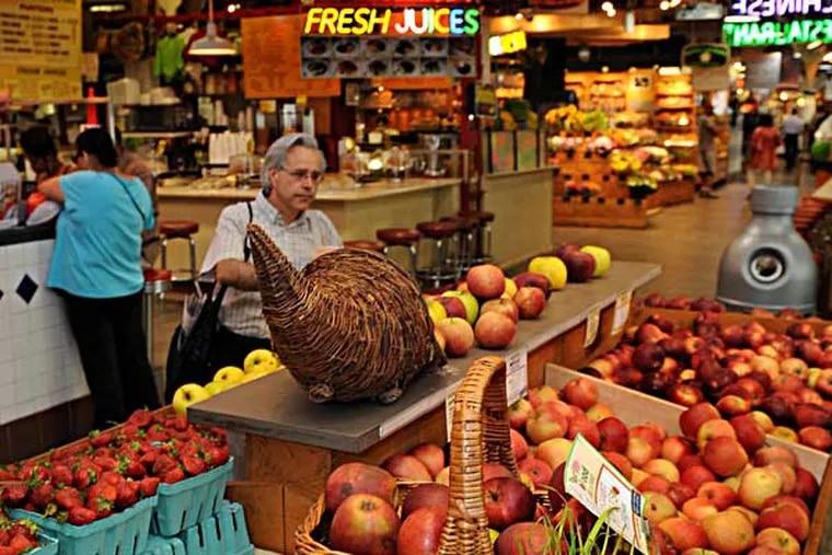 File: Reading Terminal Market (Photo: R. Kennedy)