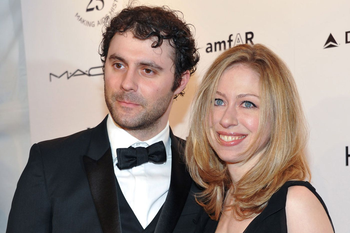 Mezvinsky: I did have sex with that woman. Chelsea Clinton's pregnant
