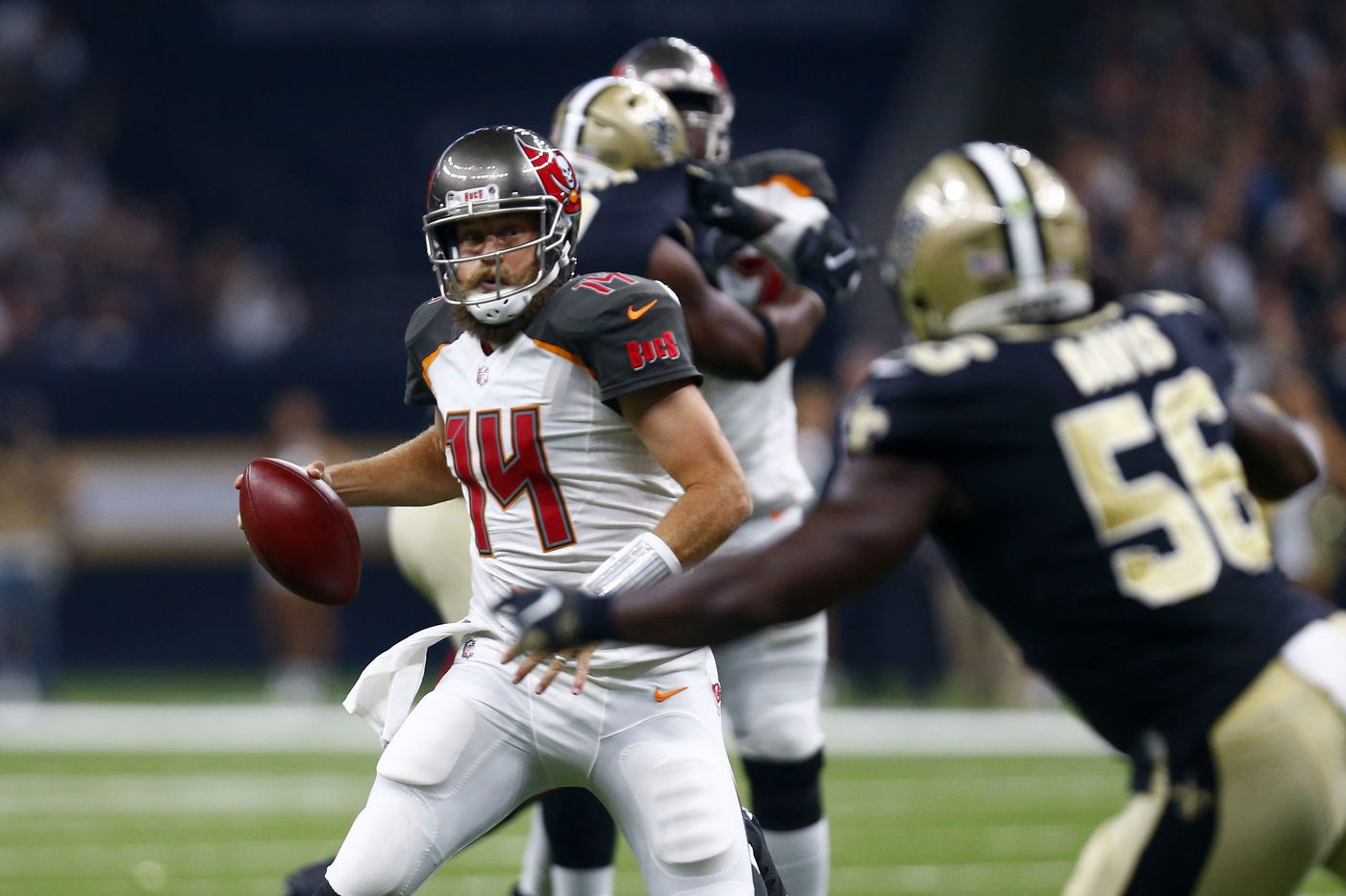 Bucs' Ryan Fitzpatrick, like Eagles' Nick Foles, has been way up and way down
