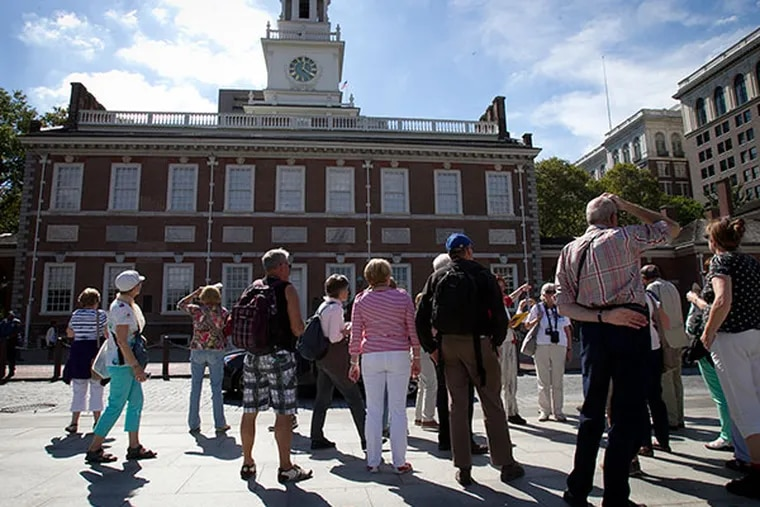 Tourists at Independence Hall in Philadelphia will be denied access to historic sites as long as federal employees are furloughed during a government shut down. (ALEJANDRO A. ALVAREZ / STAFF PHOTOGRAPHER)