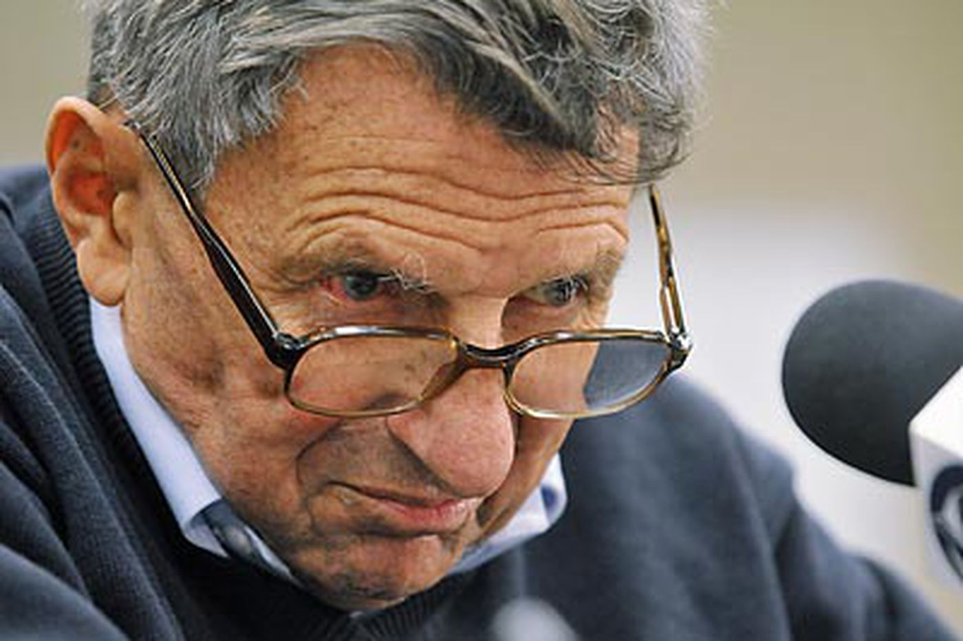 Paterno praises Florida's Meyer, questions Nits' Newsome