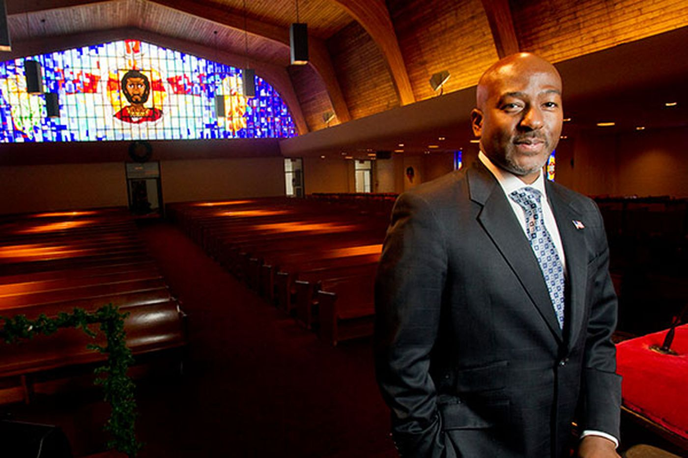 Bright Hope pastor to run for mayor in 2015