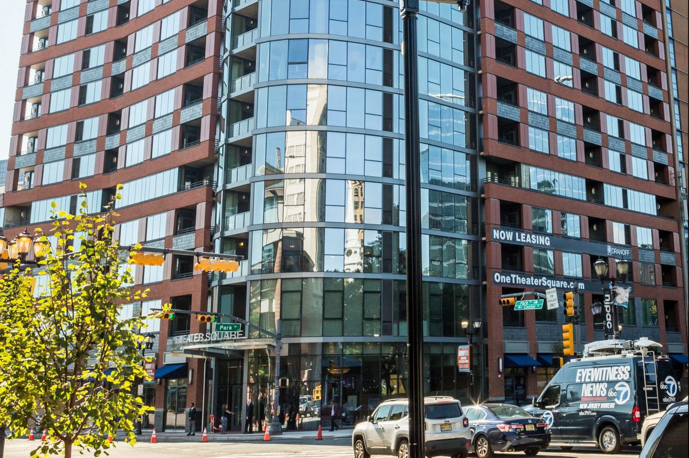 Philly developer Dranoff completes luxury high-rise in Newark, N.J.