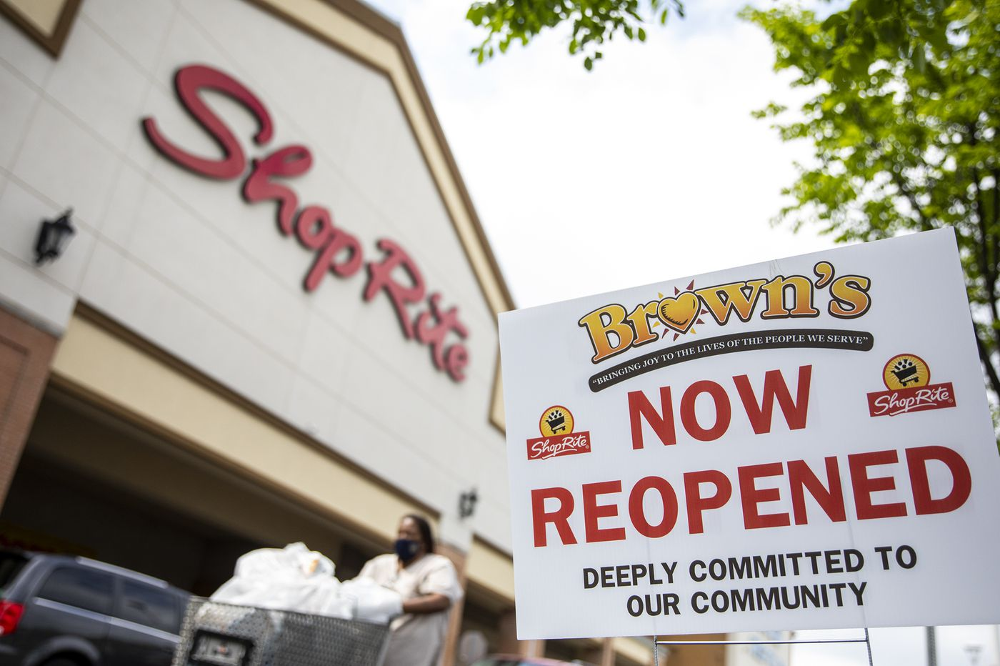 ShopRite returns after the looting, but this is not enough. Jeff Brown is not enough. | Maria Panaritis
