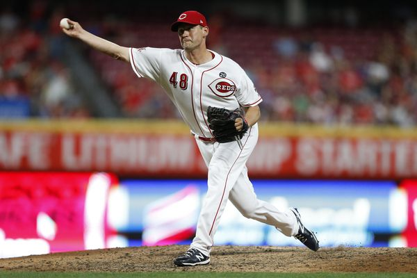 Phillies claim Jared Hughes off waivers from Reds