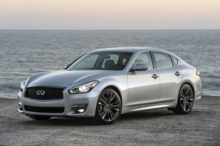 The 2017 Infiniti Q70 Premium Select Edition's is among some of the best-looking cars.