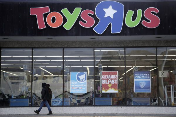 This billionaire toy executive has a last-ditch mission to save Toys R Us, before it's too late