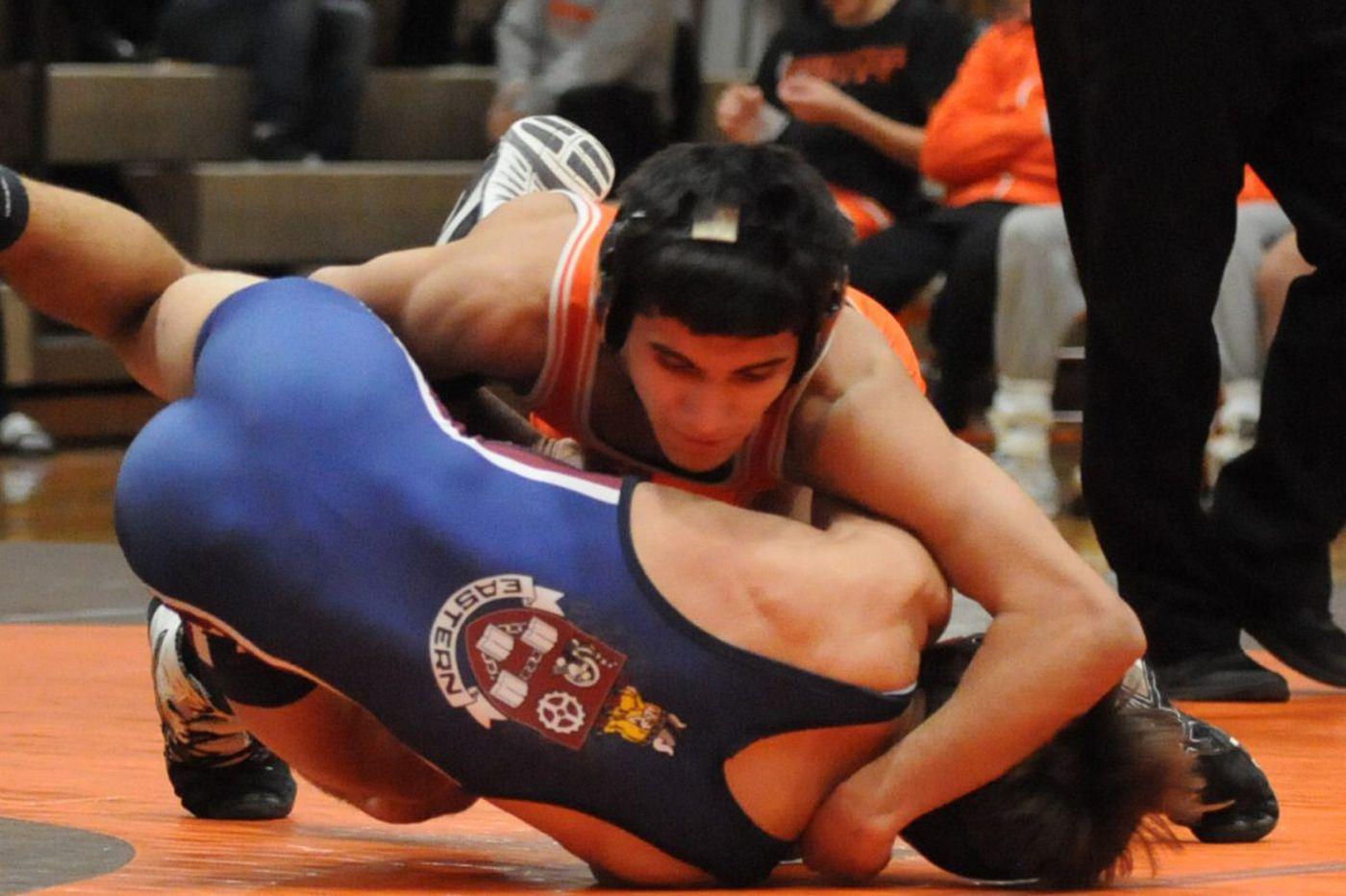 Collin Wickramaratna leads way for Cherokee wrestling