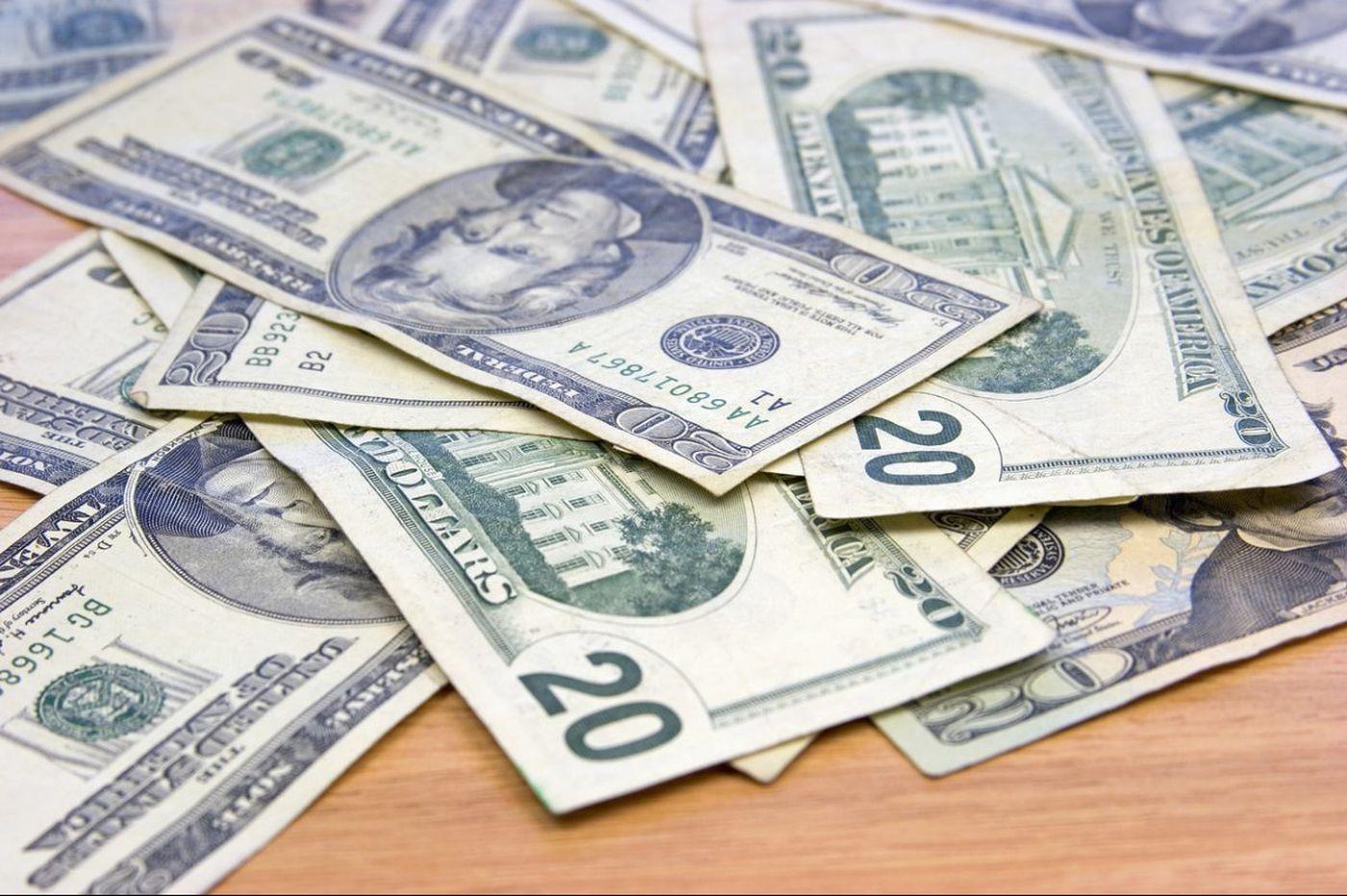 Leave the money on the nightstand | Francesca Serritella