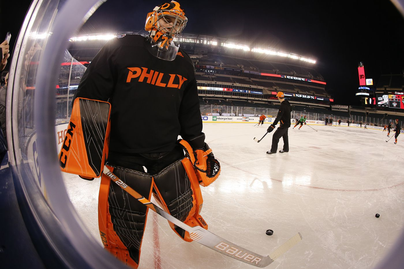 Flyers' Carter Hart hid injury that will sideline him for at least 7-10 days