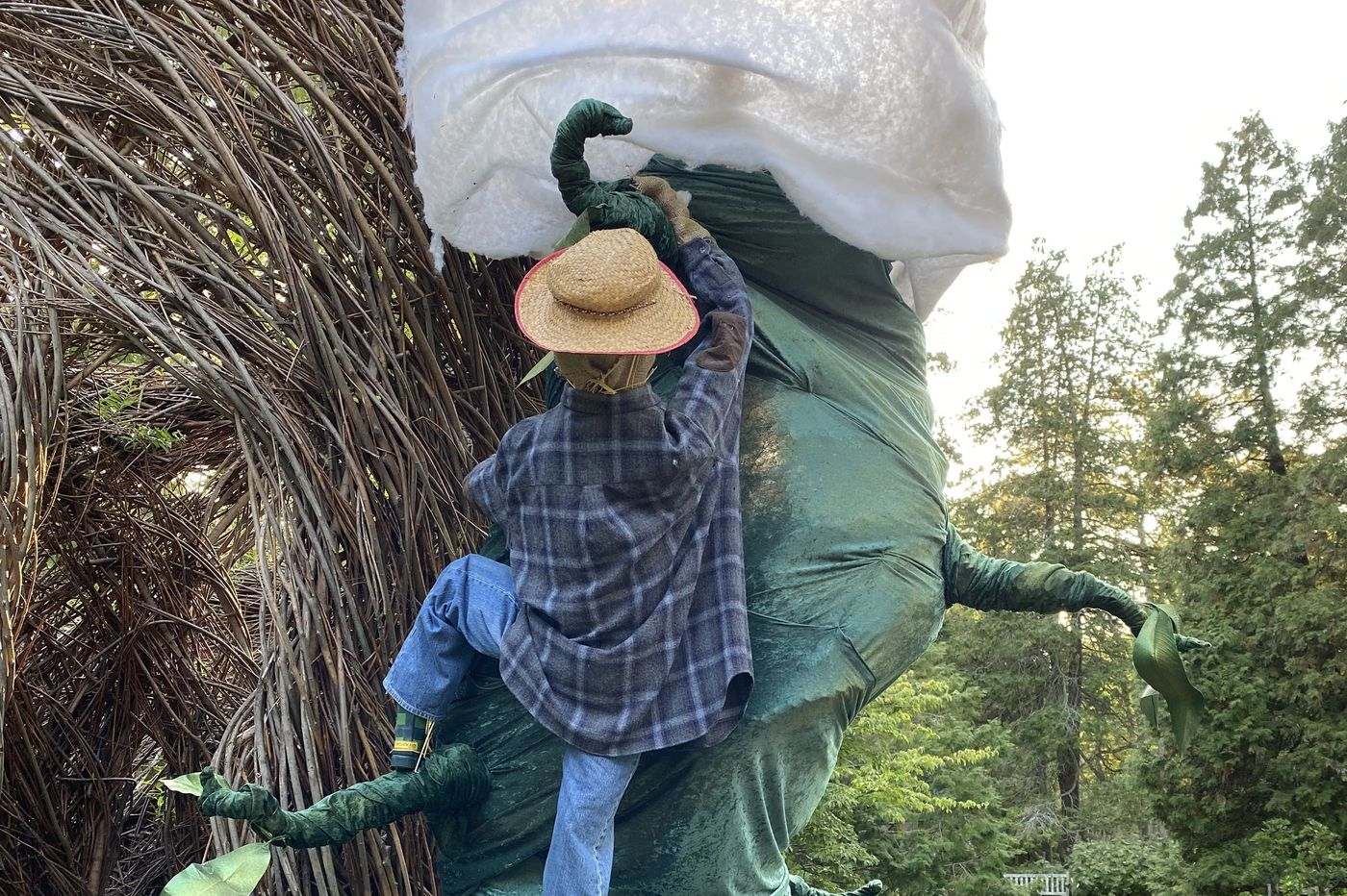 It's another packed week of fall outings for Philly families, from scarecrow walks to 'spooky' golf