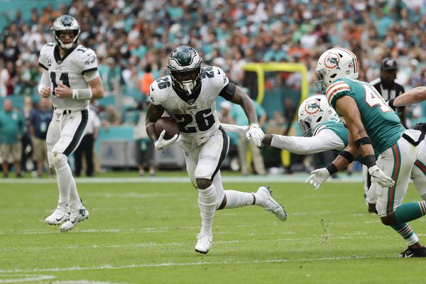 Where does the Eagles' Miles Sanders rank among rookie running backs?   Early Birds