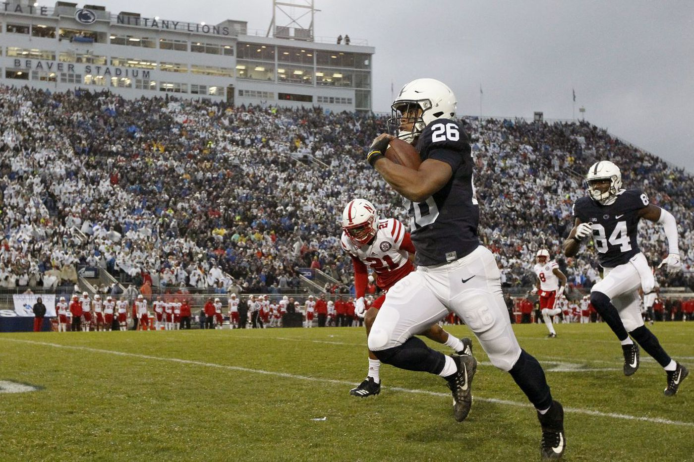 Penn State builds huge first-half cushion, holds off Nebraska, 56-44