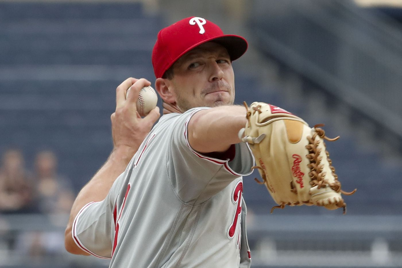 Drew Smyly's funky curveball gives Phillies some hope