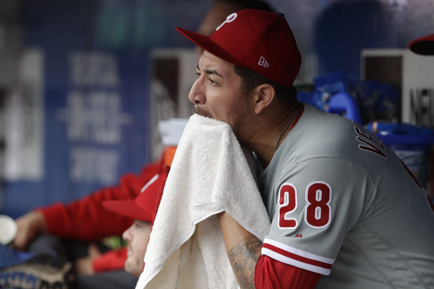 Phillies fall to Mets, make the least of golden opportunity
