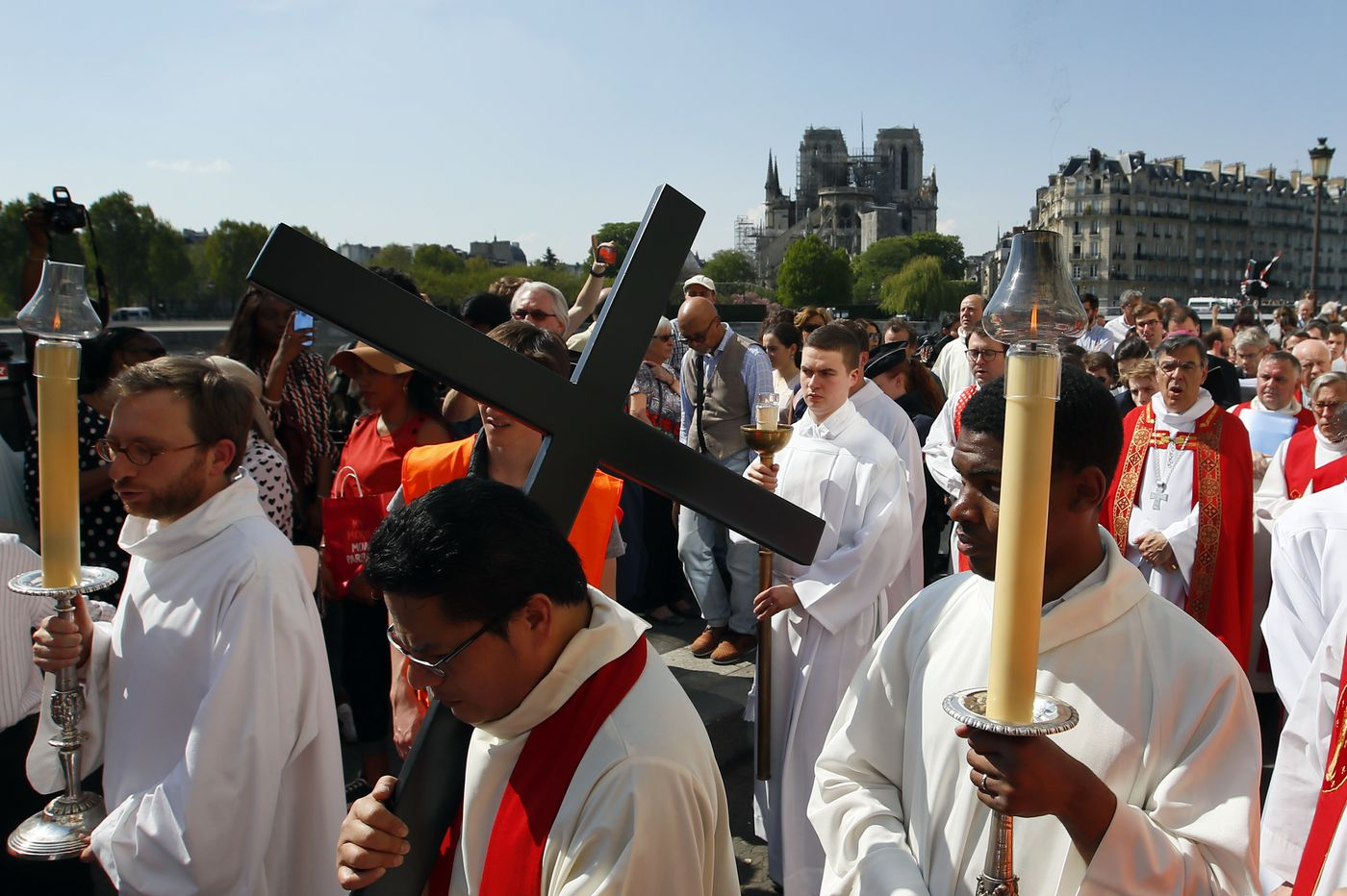 Holy Week continues, and Paris life resumes, without Notre Dame