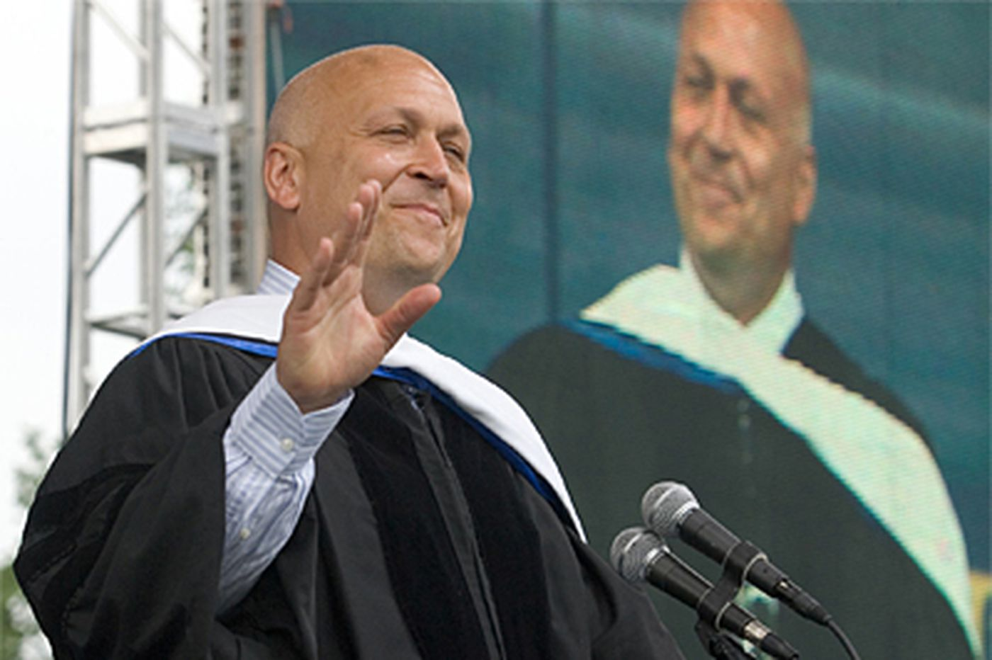 Ripken's sound advice is a commencement-day hit