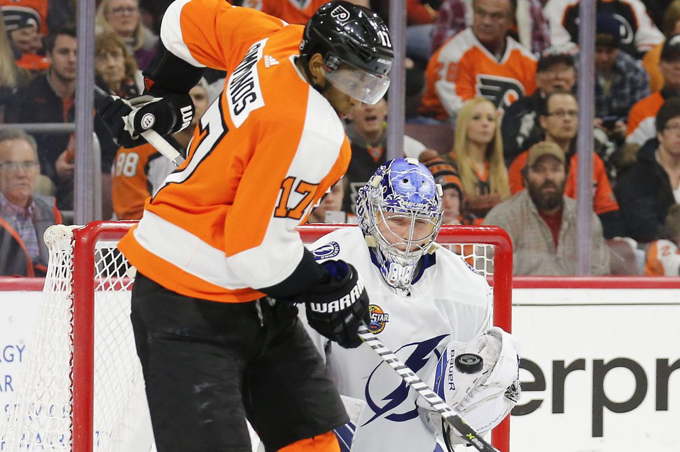Flyers ready for Hurricanes' push; Wayne Simmonds reaching milestone