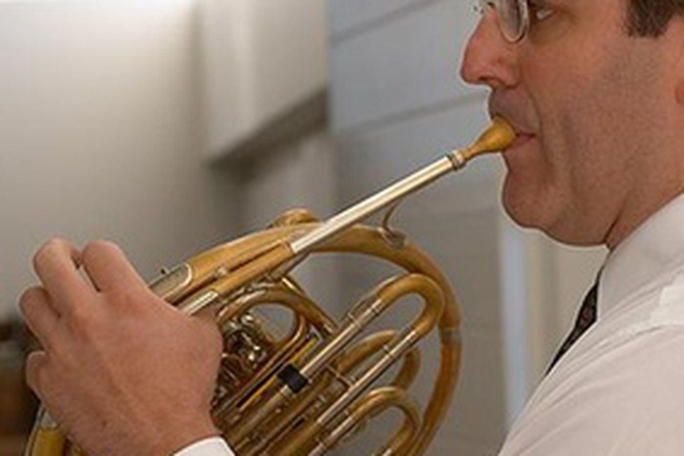 Virtuoso hornist makes it sound easy