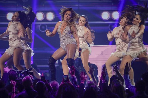 Jennifer Lopez shakes the rafters at the Wells Fargo Center for her 'It's My Party' tour