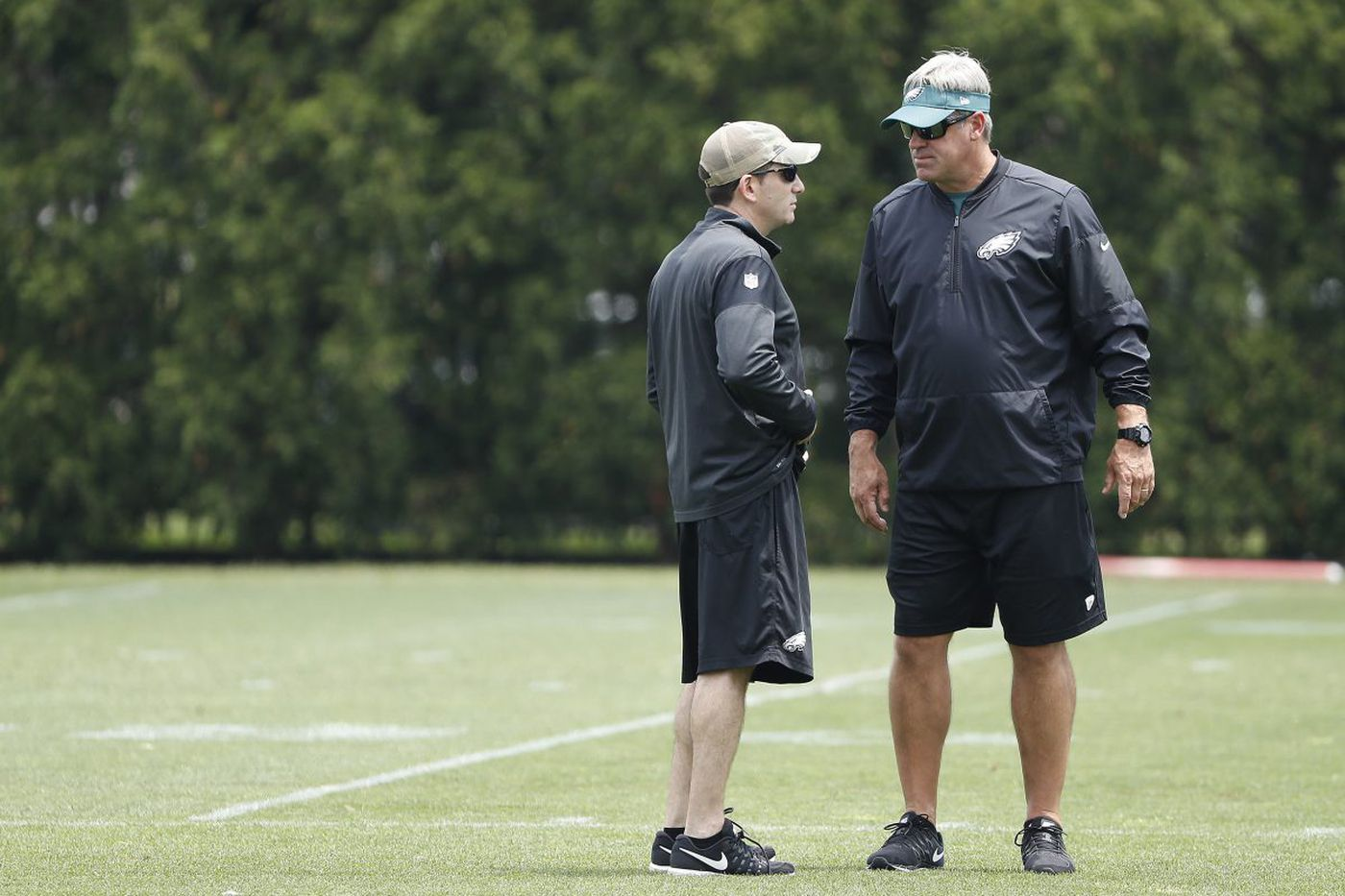 Eagles nip and tuck, but don't slice into plan to win right away | Bob Ford