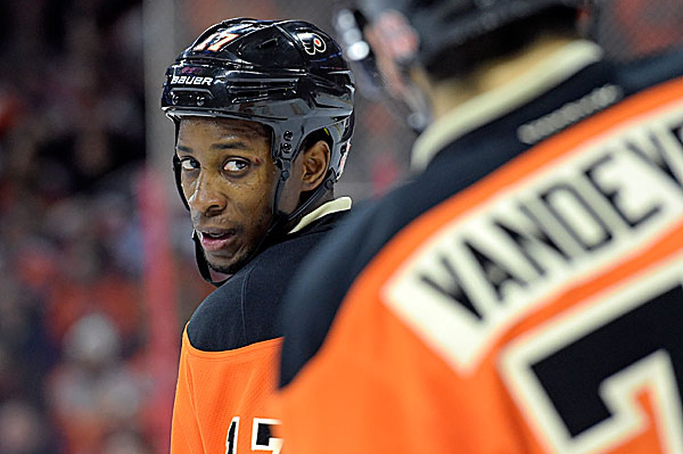 Flyers Notes: Flyers' Simmonds out for rest of season with leg injury