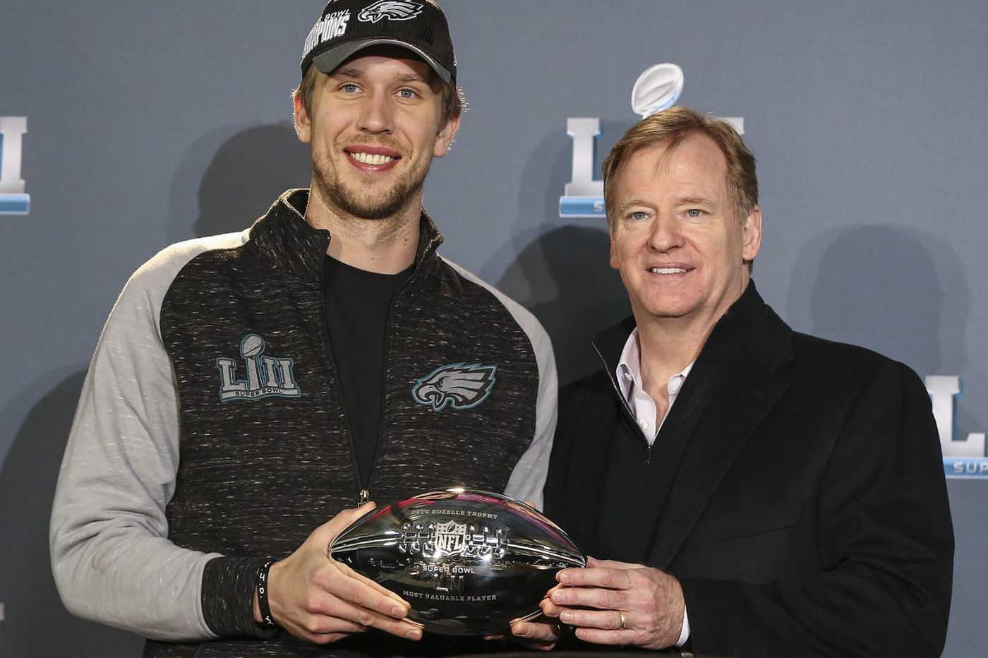 Eagles should sign Nick Foles to a contract extension now | Bob Ford