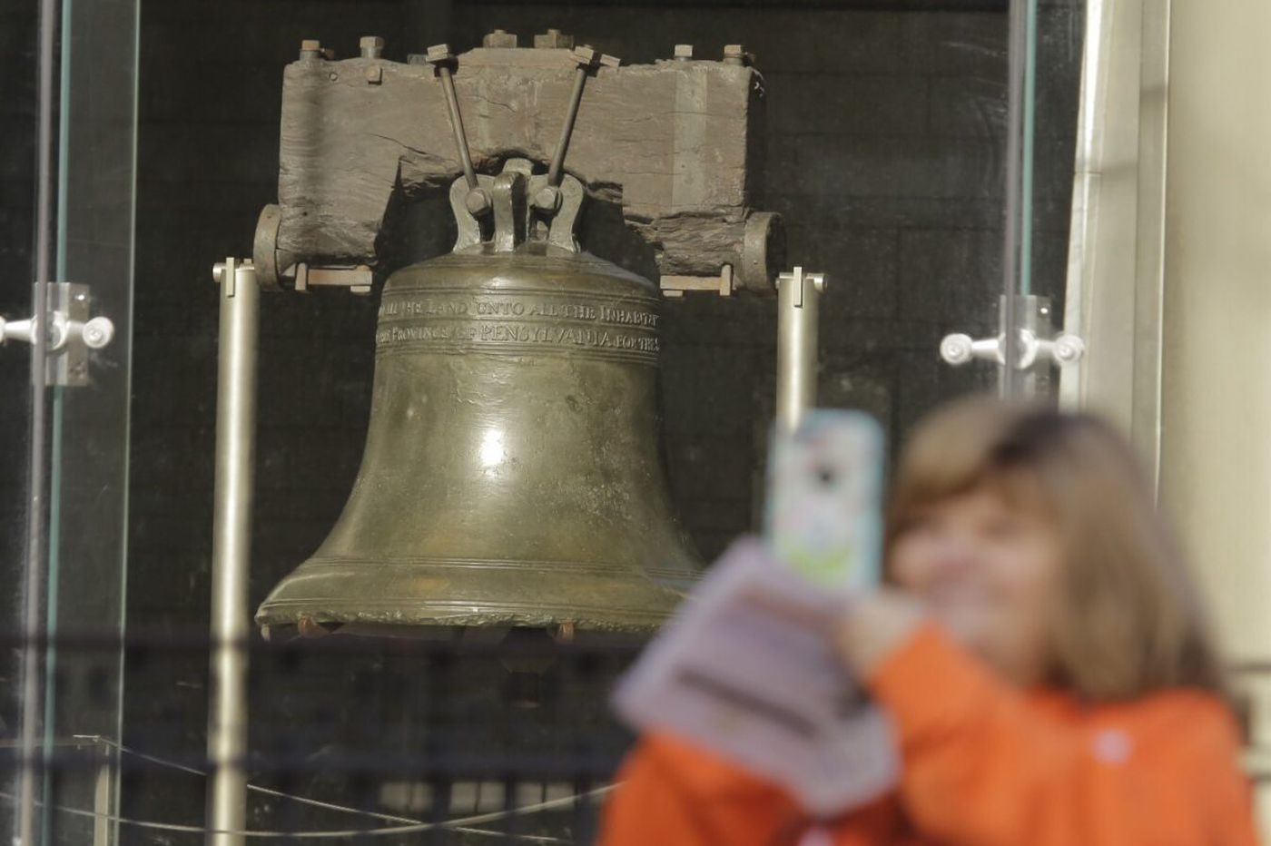Independence Hall, Liberty Bell reopen after shutdown