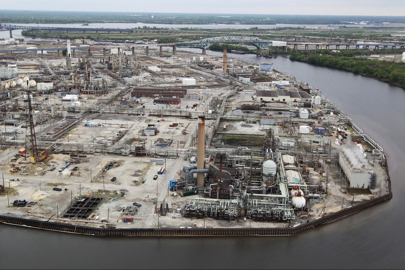 It's Trump, farmers and DowDuPont vs. Philly-area refineries