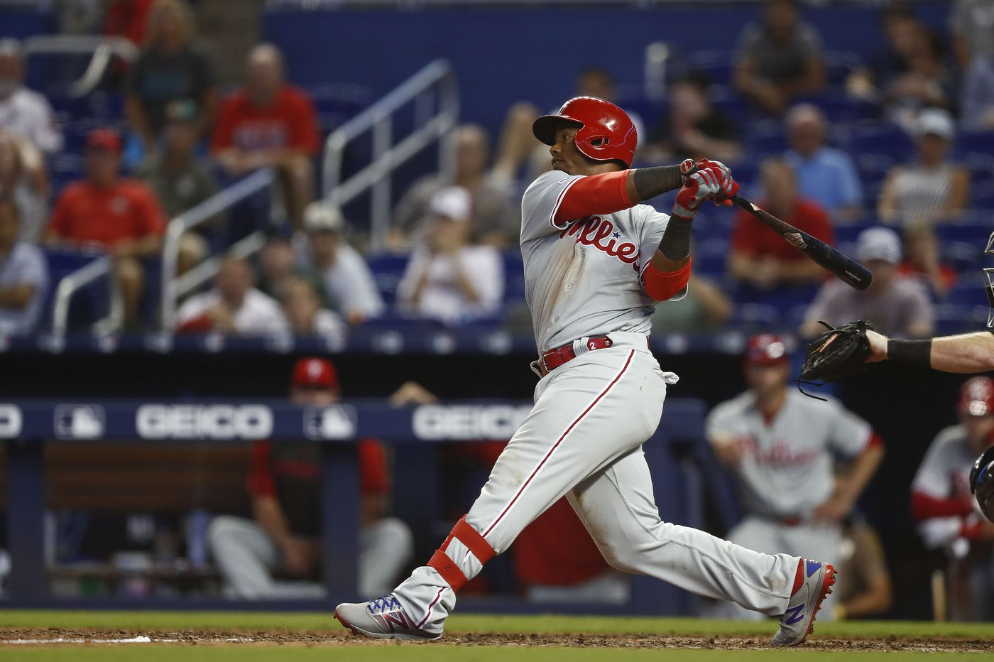 Seven relief pitchers, including revived Victor Arano, lead Phillies to 14-inning marathon win over Marlins