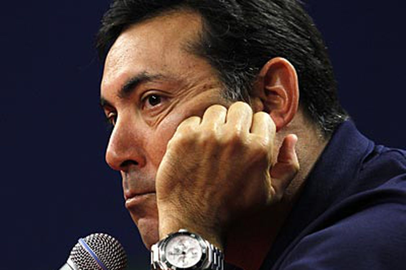 Phillies GM Amaro ponders roster changes