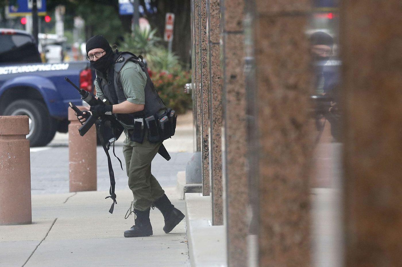 Photographer recounts facing Dallas gunman
