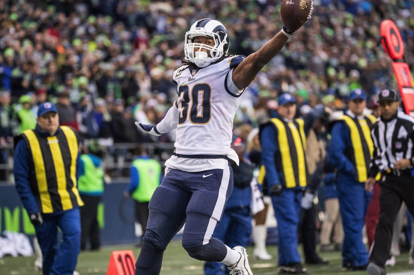 NFL playoffs wild card betting picks: Take the Rams and Titans   Vegas Vic
