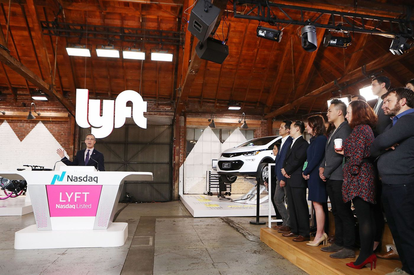Lyft drops below IPO price as street questions growth path