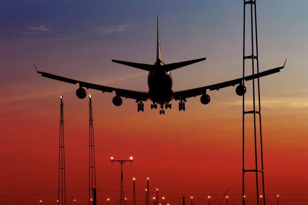 Flight reaches 801 mph as a furious jet stream packs record-breaking speeds