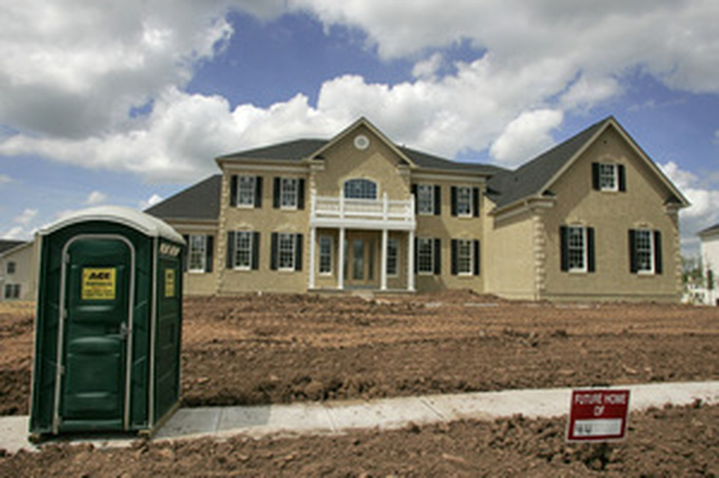 Toll Bros: Housing downturn continues