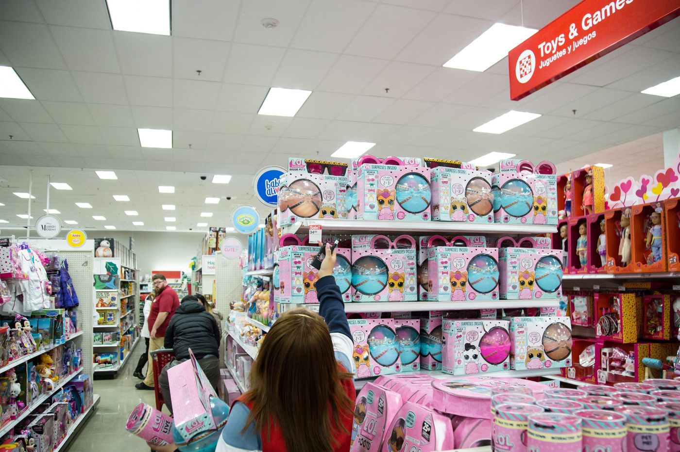 How the demise of Toys R Us is impacting holiday sales